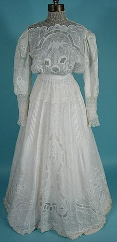 Antique 1903 Edwardian Dress w/ beautiful scalloped lace open wide boatneck & embroidered throughout...