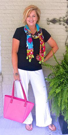 Outfits casuales recomendados para mujeres de 50 años en adelante