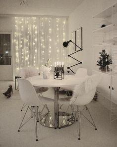 Happy tuesday 4 days till the big C  ... #interiordesign #mynordicroom #mynordicchristmas #homedecor #nordicdesign #homestyle #dittlillehjerterom #kajastef #minimalism #minimal #minimalist #monochrome #interior #myhouseidea #homeadore #interior4all #onlyinterior #instahome #dream_interiors #simplicity #interior9508 #passion4interior #whiteinterior #homestyling #interiordecor #interiorstyling