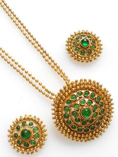 Unique and lates high quality copper based Indian Polki Pendant set, the pendant is beatufully crafted with polki and CZ stone and bead work. Comes with matching pair of Earrings.