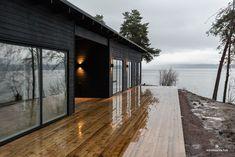 Black House Exterior, Cottage Exterior, Cottage Design, House Design, Cabana, Sauna House, Modern Lake House, Casas Containers, Contemporary Cottage