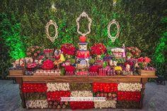 Olha que amor esta Festa Branca de Neve!!Uma decoração encantadora e com dicas incríveis.Imagens Rachel Gomes.Lindas ideias e muita inspiração.Uma semana maravilhosa para todo mundo.Bjs, Fabí...