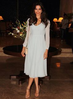 Deepika padukone in a light yet flirty dress!