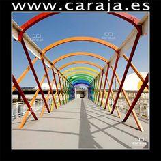 Centro Niemeyer en Avilés, España  Puente de acceso