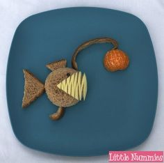 angler fish sandwich from Finding Nemo Dinners For Kids, Kids Meals, Bento Box Lunch For Kids, Lunch Ideas, Lunch Box, Kid Lunches, School Lunches, Fish Snacks, Ocean Food