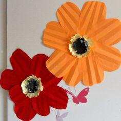 kevätaskartelu paperikukka
