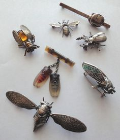 Vintage double Cicada brooch | Collectors Weekly