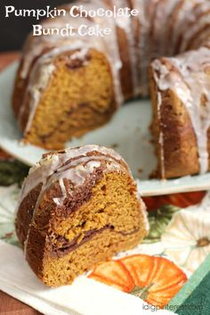 Pumpkin dessert season just got 100 times better, because this Pumpkin Chocolate Bundt Cake is going to blow your mind! This is the cake to make all fall dreams come true! Easy Cake Recipes, Pumpkin Recipes, Cupcake Recipes, Baking Recipes, Dessert Recipes, Baking Tips, Kitchen Recipes, Recipes Dinner, Breakfast Recipes