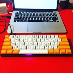 [photos] - Pok3r with Orange/White MassDrop Caps - Imgur