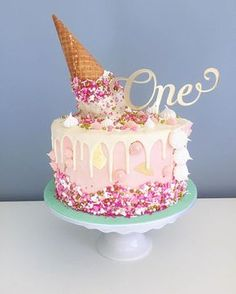 Happy birthday to little Sophie! Upside down icecream cone cake as requested by her fabulous mummy, Bek. Vanilla cake with passionfruit buttercream and white chocolate drip. Topper by the lovely @_etched. Orginal cake design by @katherine_sabbath