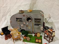 Greggs Miniature Imaginations is dedicated to different craft projects that I am inspired to create, from my unstoppable imagination and love of miniatures. Miniature Crafts, Miniature Houses, Miniature Dolls, Retro Travel Trailers, Fairy Houses, Doll Houses, Mini Caravan, Doll House Crafts, Dioramas