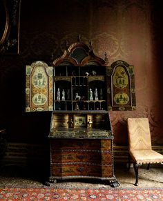 Cabana Magazine, Cabinet Of Curiosities, Old World Style, Classic Interior, Venetian, Painted Furniture, Liquor Cabinet, Antiques, Venice