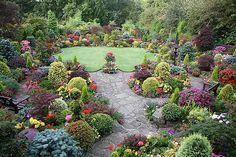 English garden for all seasons. Winner Daily Mail National Garden Competition 2007. www.fourseasonsgarden.co.uk