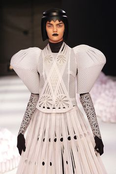 Sculptural Fashion - structured dress with 3D construction and lasercut surface detail; fashion as art // Jum Nakao