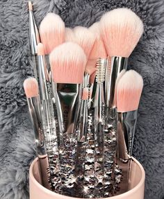 There are a lot of people who nowadays are applying cosmetics using their fingers, in my opinion it looks a lot better if applied using a make-up brush. This article describes the reasons for this and looks at the types of make-up bru Makeup Brush Cleaner, Makeup Brush Holders, Makeup Brush Set, Set Of Makeup Brushes, Make Up Spray, Make Up Brush, Make Up Concealer, Make Up Dupes, Skin Makeup