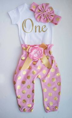b7aeb243d First birthday outfit, Girl 1st birthday outfit, Glitter Gold Outfit, Birthday  Outfit, 1st Birthday, Glitter Gold Outfit