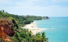 Suas paisagens conquistaram os primeiros exploradores da região e, hoje, continuam cativando quem a visita. Cinco séculos depois, este refúgio no sul da Bahia ainda representa a essência do que é o Brasil 'in natura'.