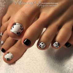 White black floral leaves #DIYNailDesigns