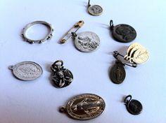 A lot of vintage religious medal, free delivery - Lotto di medaglie religiose d'epoca, spedizione gratuita di Quieora su Etsy