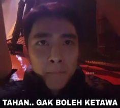 K Meme, Funny Kpop Memes, Exo Memes, Me Too Meme, Exo Stickers, Cute Emoji Wallpaper, Meme Faces, Kyungsoo, Nct