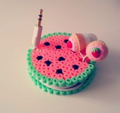 Headphone holder by @mahama_beads