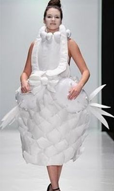 10 Ugliest Wedding Dresses You've Ever Seen