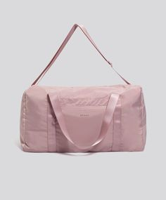 Soft reversible gym bag, - Reversible gym bag with light mauve on one side and dark mauve on the other. Includes two short top handles and one long strap for greater comfort. Measurements 27 x 47 x - Find more trends in women fashion at Oysho . Duffel Bag, Backpack Bags, My Bags, Purses And Bags, Mochila Nike, Carlo Scarpa, Diy Handbag, Cute Backpacks, Everyday Bag