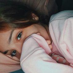 Mharessa fernanda Creative Instagram Photo Ideas, Cute Instagram Pictures, Cute Profile Pictures, Girly Pictures, Instagram Girls, Instagram Story, Eerie Photography, Girl Photography Poses, Tumblr Photography