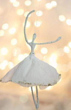 Craftberry Bush: MERRY mag and Crepe paper Ballerina ornament tutorial Homemade Christmas Tree, Paper Christmas Ornaments, Handmade Christmas Gifts, Christmas Diy, Christmas Things, Handmade Ornaments, White Christmas, Ballerina Ornaments, Nutcracker Ornaments