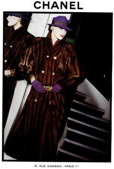 Inès de la Fressange for Chanel, Chanel Outfit, Chanel Fashion, Fur Fashion, Fashion Models, Chanel Runway, Chanel Couture, Chanel Paris, Vintage Gloves, Vintage Chanel