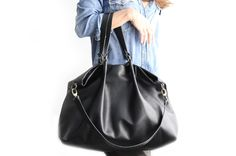 Borsa in morbida pelle e cuoio, nappa e cuoio italiano, color nero - Susy shoulder bag leather version di Genuinemyself su Etsy