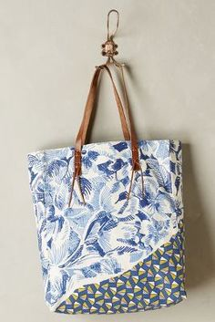 Inouitoosh Floral Forms Tote