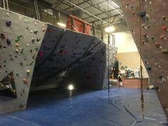 Bouldering Cave South Austin Rock Gym #austinrockgym #climbinggymreviews