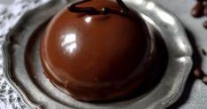 A minitorta  karácsonyi desszertnek is jó választás lehet. Ebben a változatban nagyon diós piskótát párosítottam kávés csokimousse-sz... Mousse, Pudding, Dios, Custard Pudding, Puddings, Avocado Pudding
