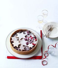 Plum and cherry fruit mince tart