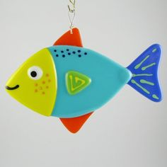 Fused glass fish- How cute would it be if the hook was through his mouth? Fused Glass Ornaments, Fused Glass Art, Stained Glass Art, Mosaic Glass, Cork Ornaments, Dichroic Glass, Art And Hobby, Wine Bottle Candles, Glass Wall Art