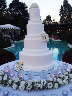 How Princess Eugenie and Jack Brooksbank's Wedding Cake Will Differ from Harry and Meghan's