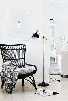Lounge chair - Via House of Philia Chaise Ikea, Ikea Chair, Ikea Lamp, Egg Chair, Interior Inspiration, Room Inspiration, House Of Philia, Home Interior, Interior Design