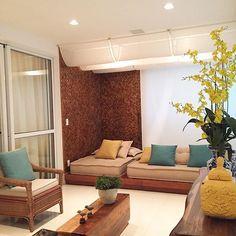 Bommm diaaaa sexta-feira lindaaaa!! Que todos tenhamos um dia abençoado!!  Varanda com cantinho com futons para descanso!!  #bomdia #instaarch #instadecor #interiores #decor #details #detalhes #decoracao #decorating #decorbrazil #detalhesqueamamos #decoracaodeinteriores #architect #arquiteta #arquitetura #arqmbaptista #arquiteturadeinteriores #varanda #sacada #marianemarildabaptista