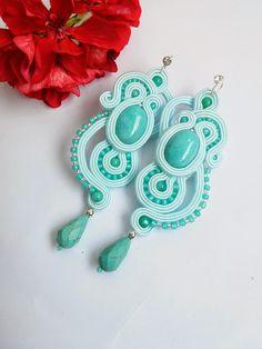 Soutache earrings by MaNiko Soutache Necklace, Beaded Earrings, Beaded Jewelry, Crochet Earrings, Bead Embroidery Jewelry, Fabric Jewelry, Beaded Embroidery, Shibori, Soutache Tutorial