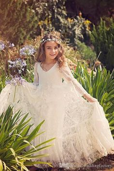 Vintage Full Lace Flower Girl Dresses for Wedding Beach Garden Bohemian V Neck Illusion Flare Sleeves Lace Kids Formal Gowns Custom Made