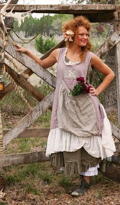 Lavender Linen Apron by Magnolia Pearl Style Boho, Gypsy Style, Boho Gypsy, Beautiful Outfits, Cool Outfits, Magnolia Pearl, Linen Apron, Apron Dress, Mori Girl