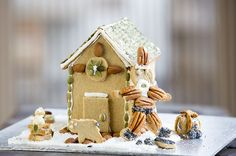 An LCHF - Low Carb/Healthy Fat Christmas. Enjoy these holiday treats with friends and family! Banting, Lchf, Nutrition Program, Holiday Treats, Healthy Fats, Christmas Recipes, Low Carb, Friends, Amigos