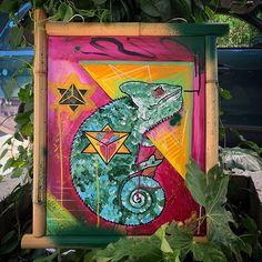 The chameleon a paint that i did for my cousin @tzeniodildostudio  #painting #canvasart #canvas #acrylicpainting #acrylic #markers #chameleon #artist #art #artistsoninstagram #geometric #heart #animalart #artwork #poscamarkers #athensart #alexthejem