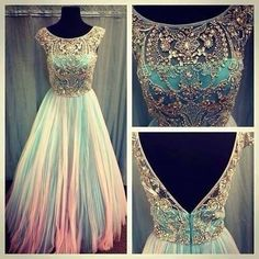 Vintage-style dress with beaded top and tulle bottom. SPETTACOLARE!!!!