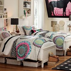 Teen Girl Bedrooms - Delightful and breathtaking teen room tips and tricks. Hungry for more inspiring teen room styling designs simply pop by the pin image to study the pin suggestion 5697531844 today Room Decor For Teen Girls, Girls Room Design, Teen Bedroom Designs, Twin Girl Bedrooms, Girls Twin Bed, Twin Beds, Shared Bedrooms, Horse Bedrooms, Girl Rooms
