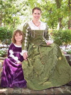 Mum and daughter. Whole page has useful tips for costuming, as well as links to tutorials