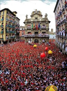 Running of the Bulls, San Fermin Festival @ Pamplona Spain. Festivals Around The World, Places Around The World, Travel Around The World, Around The Worlds, San Fermin Pamplona, Places To Travel, Places To Go, Running Of The Bulls, Barcelona