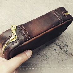 Handmade Leather Wallet, Leather Gifts, Leather Pouch, Leather Craft, Tan Leather, Birthday Gift Bags, Leather Workshop, Leather Projects, Leather Design