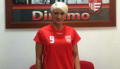 Proiectul CS Dinamo la handbal feminin începe să se contureze frumos. Înscrisă în liga a doua (Divizia A), echipa s-a întărit joi cu un nume important al han...